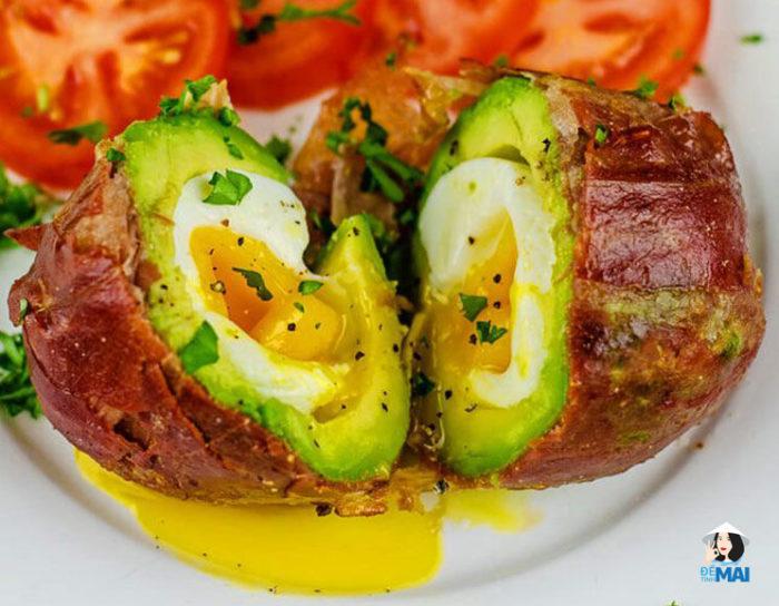 Món ăn vặt Keto 12: Thịt xông khói Prosciutto bọc bơ trứng lòng đào