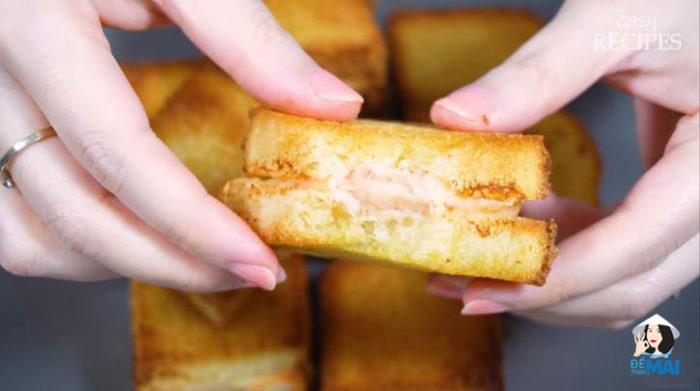 bánh mì Sandwich chiên giòn nhân tôm bằng nồi chiên không dầu